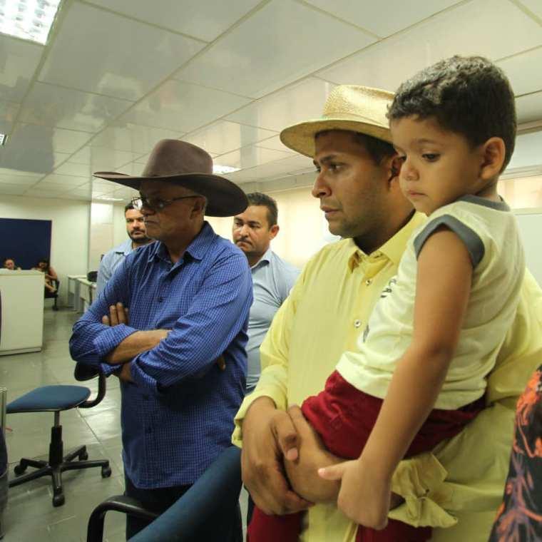 Protocolado registro de candidatura de Valteir Queiroz para prefeito de Candeias do Jamari
