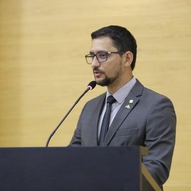 Deputado Anderson Pereira entrega Voto de Louvor para delegados, policiais militares e agentes penitenciários na segunda-feira