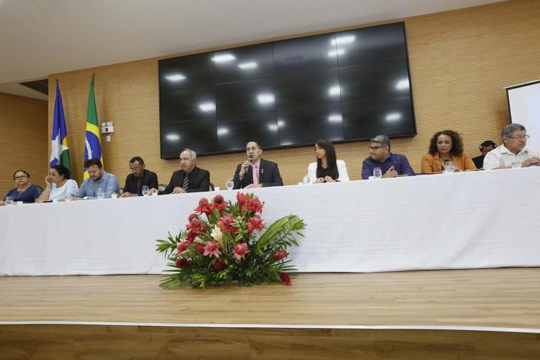 Eyder Brasil debate gestão dos custos do SUS em audiência pública