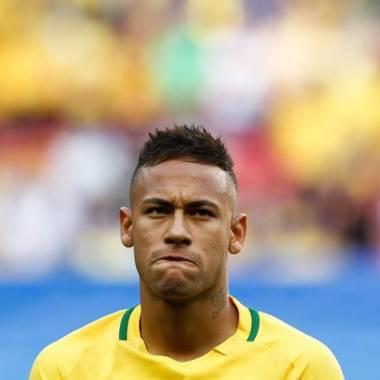 Após acusação de estupro, Mastercard suspende campanha com Neymar