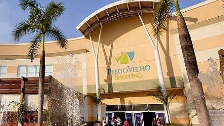 Homem é preso após pegar em parte íntima de adolescente no shopping