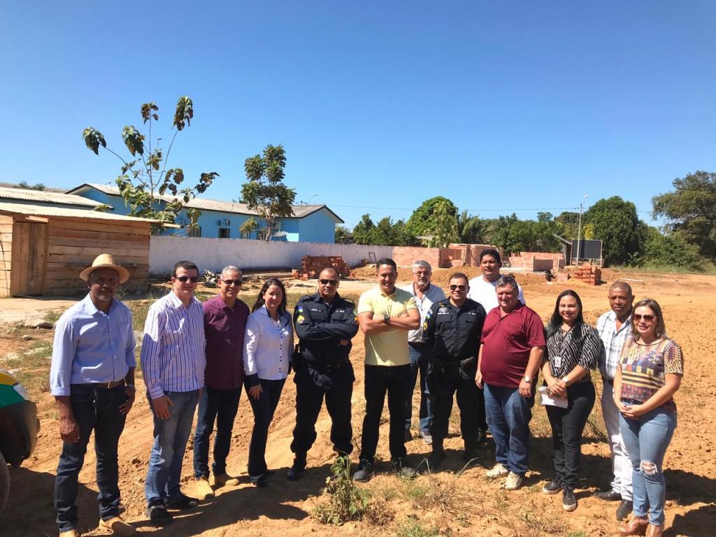 DeputadoEyder Brasil visita o município de Pimenteiras do Oeste e destina R$ 100 mil para a Guarda Mirim