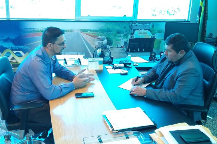 Deputado Anderson Pereira se reúne com diretor do DER para retomada de melhorias na Estrada da Penal
