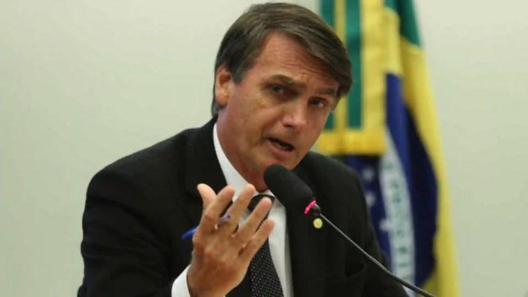 Se achar pouco, não retira, diz Bolsonaro sobre saque do FGTS