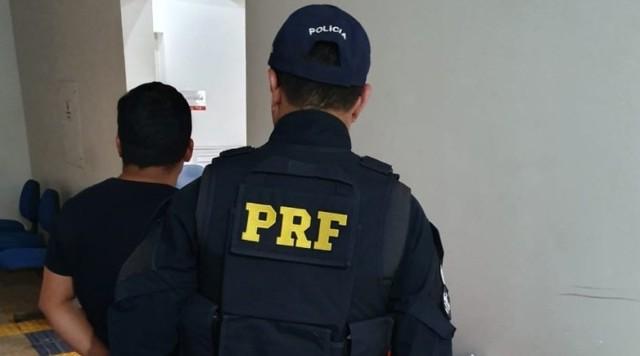 Estrangeiro contrabandista é preso pela PRF