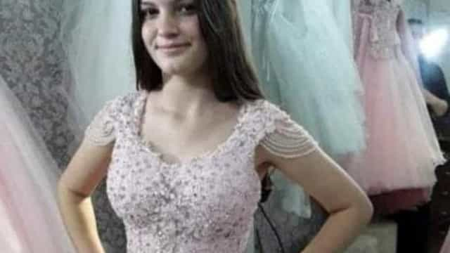 Menina de 14 anos é achada morta com marcas de facadas