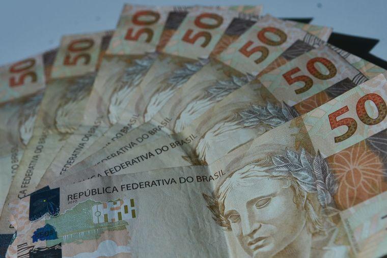 Mercado financeiro reduz estimativa para inflação e taxa Selic em 2019