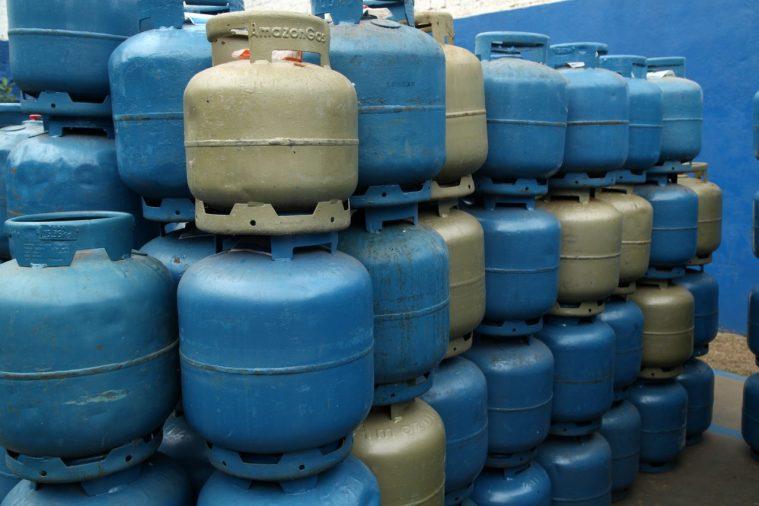 Preço do gás de cozinha vária em estabelecimentos de