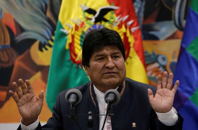 Oposição na Bolívia quer renúncia de presidente e fechar fronteiras