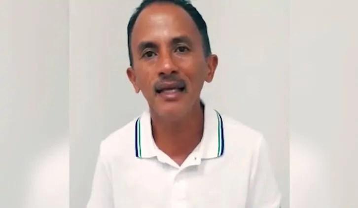 AZUL CANETA – Autor da música 'Caneta Azul', ganha R$ 30 mil para reformar casa