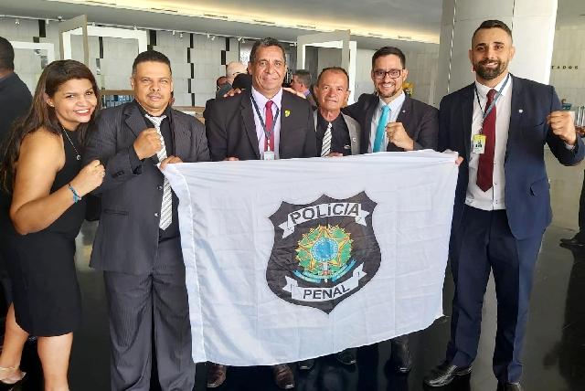 CONQUISTA – Em Brasília, Deputado Anderson participa de sessão solene que promulgou criação da Polícia Penal