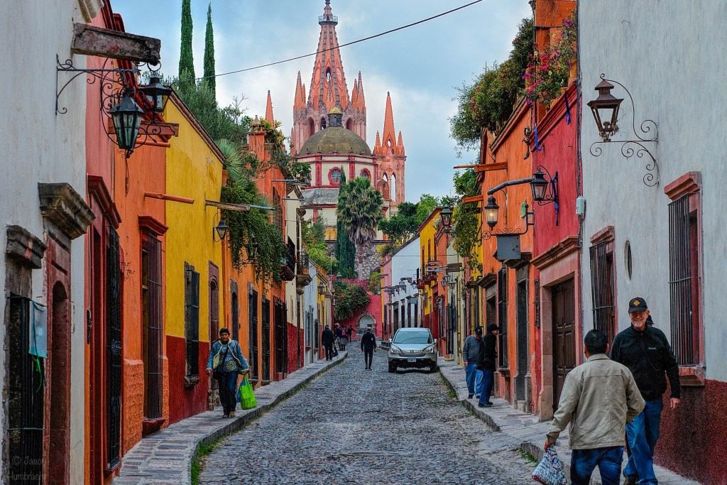 Travel Photography Tips | Parroquia de San Miguel Arcángel | San Miguel de Allende, Mexico | Spanish Architecture | Image of Indiana Architectural Photographer Jason Humbracht