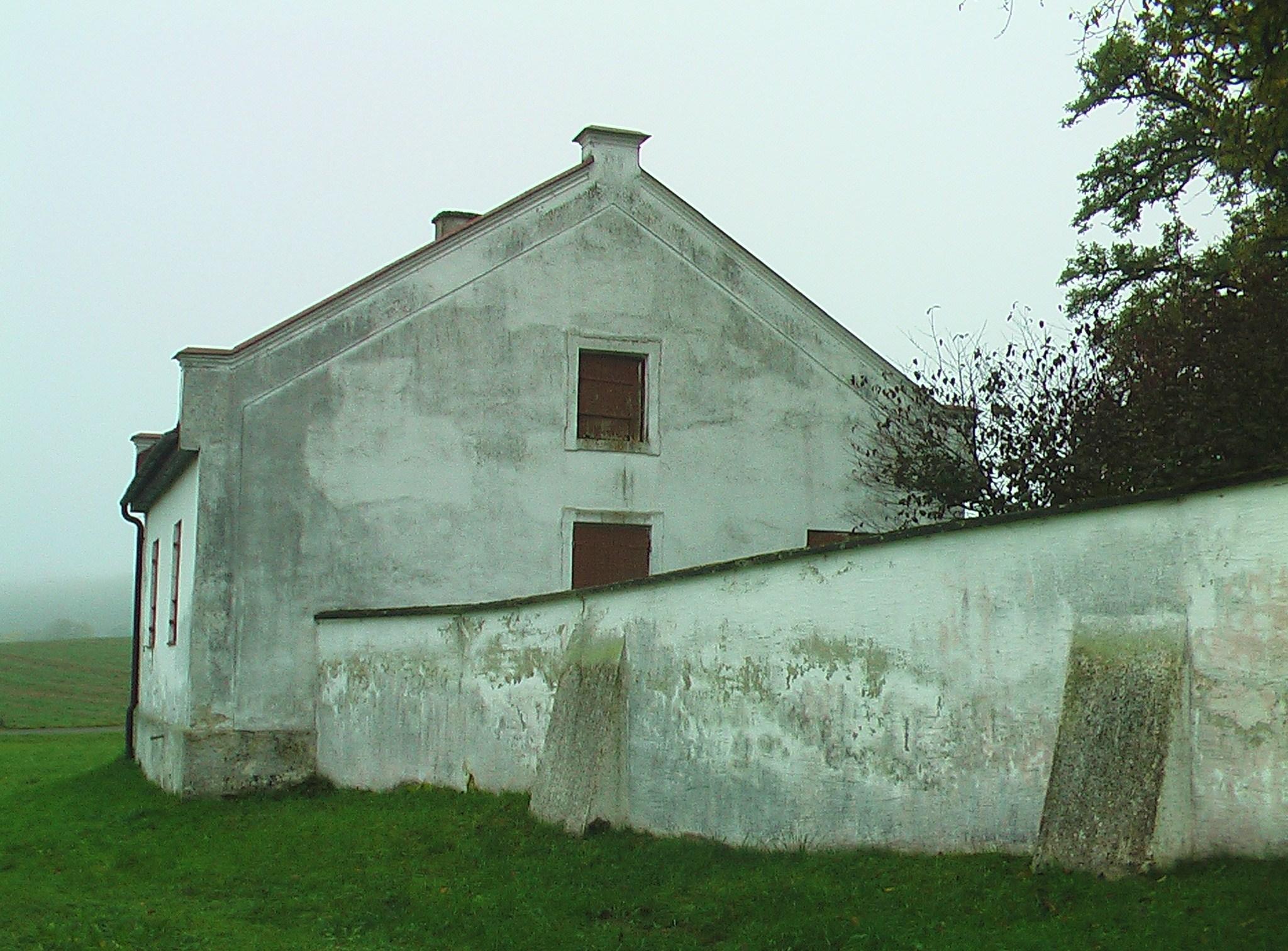Tahara House of Huerben Cemetery