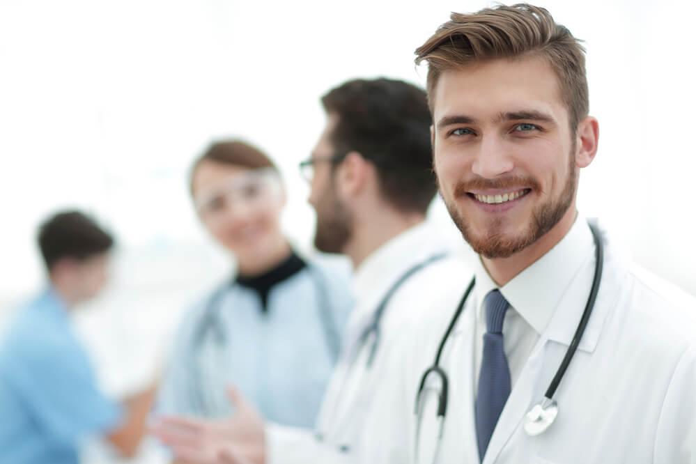 Nyugaton már az orvosok is reikiznek!