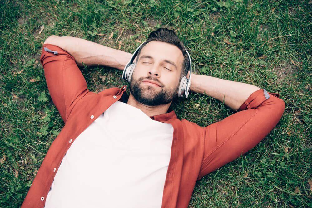 Segíti-e az ellazulást a reiki relaxációs meditáció zene?