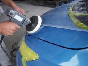 塗装後の磨き作業