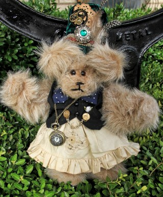 Steampunk Bear watch and gear the right way
