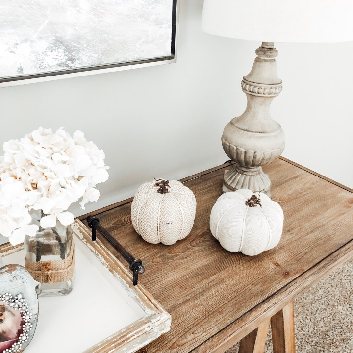 HOW I DECORATE FOR FALL