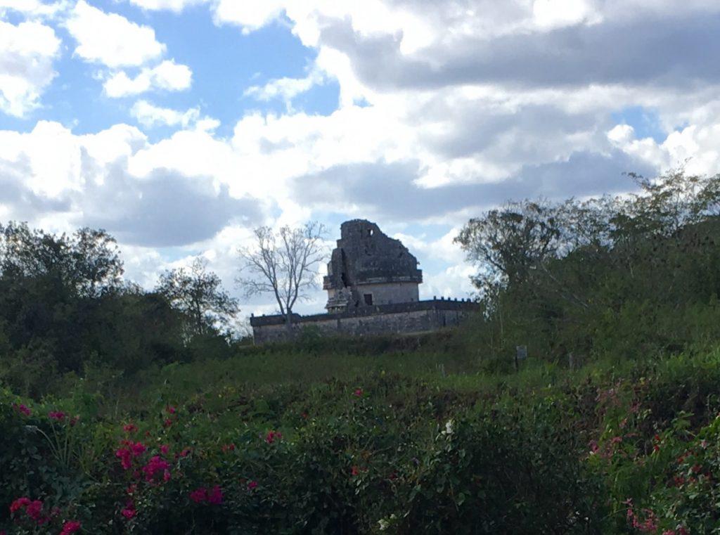 chichen itza pyramid el caracol observatory