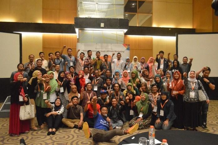 Berfoto Bersama Blog M (Blogger Medan) dan Panitia #MMAAJA