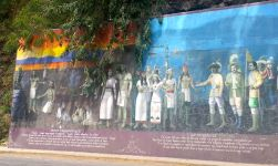 More of the mural in Chapala.