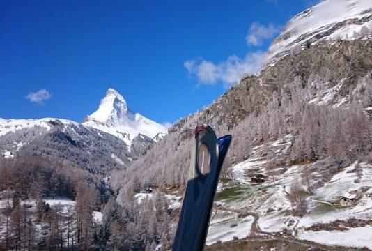 020 Matterhorn and skis