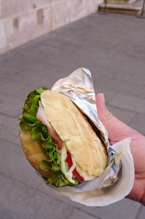 562 Mediocre Sandwich