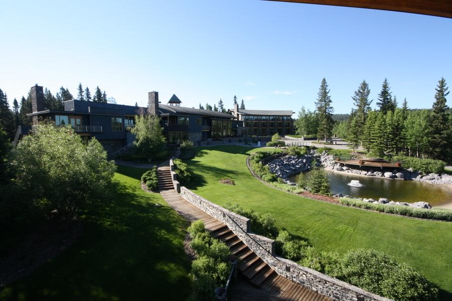 Azuridge is a fabulous and beautiful resort south of Calgary. JIM BYERS PHOTO