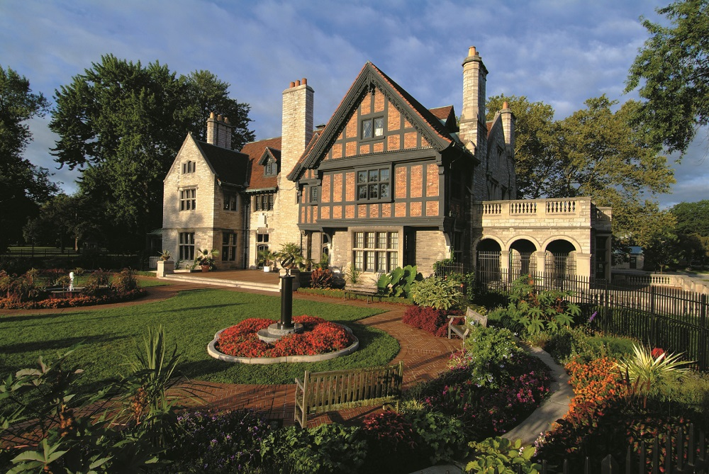 Willistead Manor is a lovely old home in the Walkerville area of Windsor. The surrounding park is a great spot for a picnic.