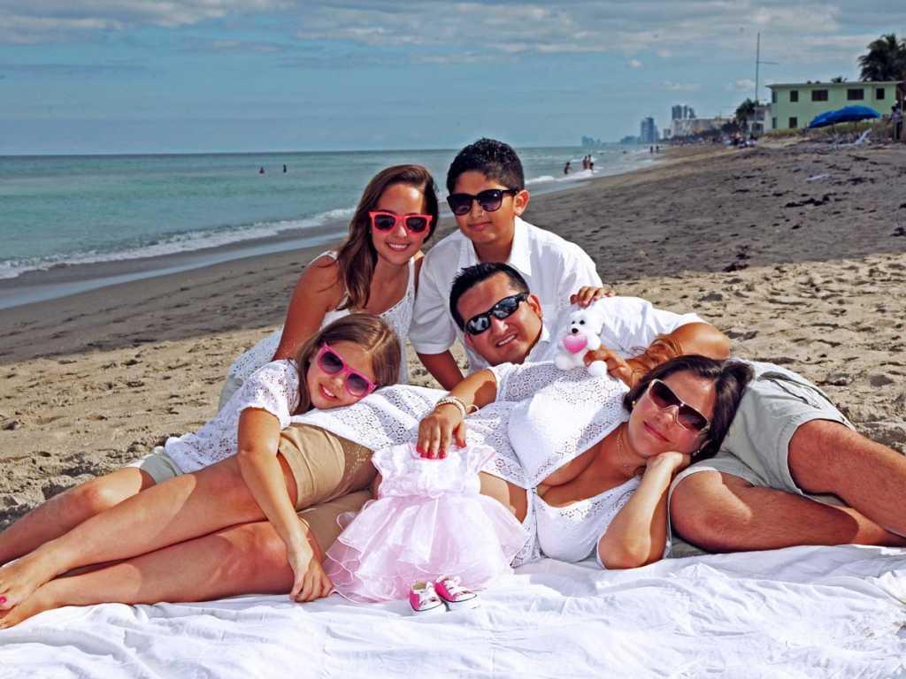 Best Maternity Photographer South Florida