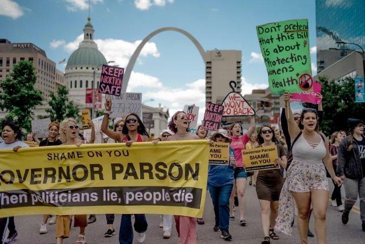 Screenshot_2019-05-31 Missouri's Last Abortion Clinic Will