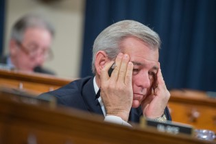 The SWAMP: House Formally Reprimands GOP Rep. Schweikert – Admits To 11 Misconduct Citations