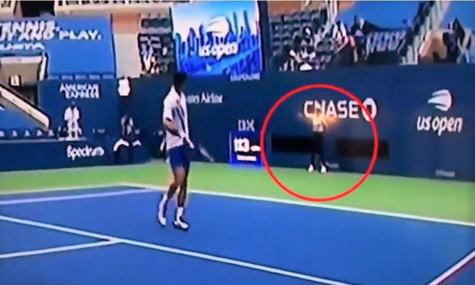 Watch Djokovic Disqualified From Us Open For Whacking A Ball At A Line Judge Jim Heath Tv