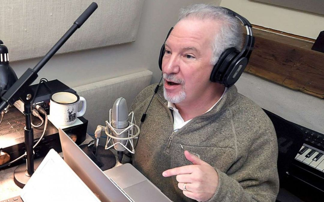 Anti-Vaxxer Radio Host Phil Valentine Dead After Battling Covid