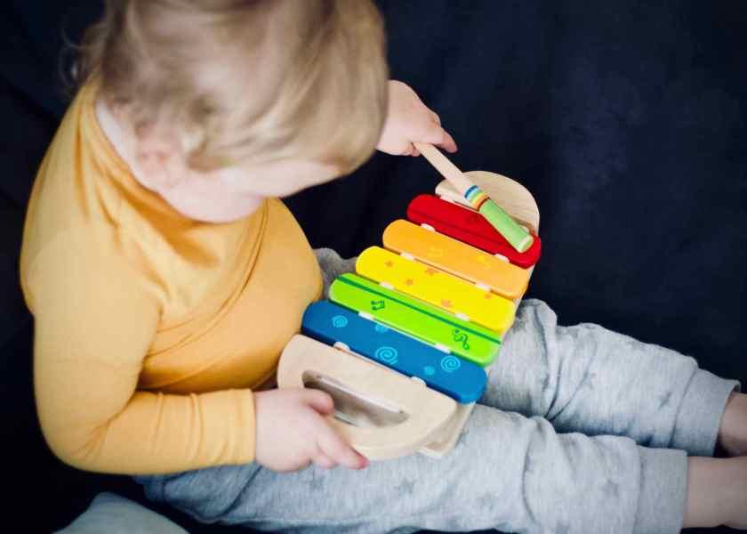 La musique dès le plus jeune âge participe au développement de l'enfant
