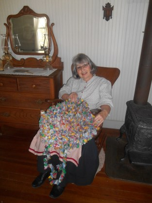 12-farm-rag-rug-making