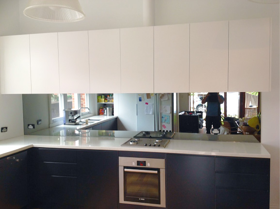 4 Mirrored Splashback – What a great finish