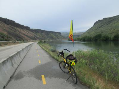 Jim-Schmid's-Bacchetta-Giro-recumbent-at-east-end-of-Boise-River-Greenbelt-ID-5-7-2016