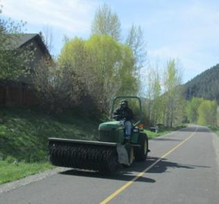 Sweeper-on-Wood-River-Trail-Ketchum-to-Bellevue-ID-5-5-2016