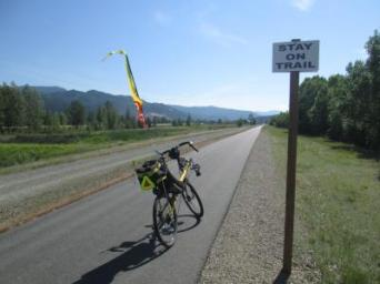 Jim-Schmid's-Bacchetta-Giro-recumbent-at-stay-on-trail-sign-Trail-of-the-Coeur-d'Alenes-ID-5-14-2016