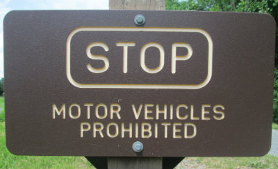 Stop_motor_vehicles_prohibited_sign_Greenbrier-River-Trail-WV-06_21-24-2015