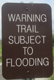 Warning-trails-subject-to-flooding-sign-Monon-Trail-IL-2015-08-23