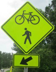 Bicycle_pedestrian_crossing_warning_sign_American_Tobacco_RT_2015_07_05-6
