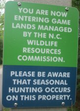 Hunting_awareness_sign_American_Tobacco_RT_2015_07_05-6