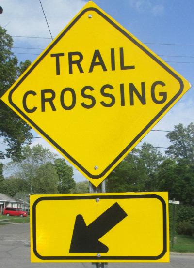 Trail-crossing-sign-Pere-Marquette-MI-2015_09-06