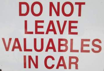 Do-not-leave-valuables-in-car-sign-Sacramento-River-Rail-Trail-Redding-CA-4-20-2016