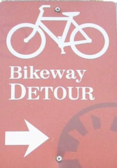 Detour-sign-East-Bay-Bike-Path-RI-9-6&7-2016