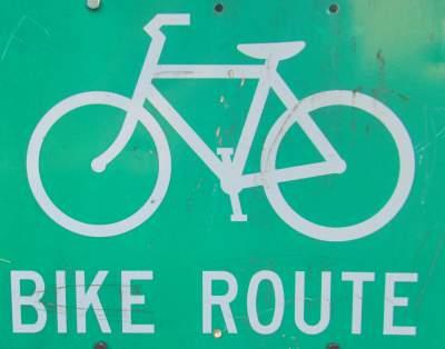Bike-route-sign-Prairie-Spirit-Trail-Ottawa-to-Iola-KS-6-3-2016