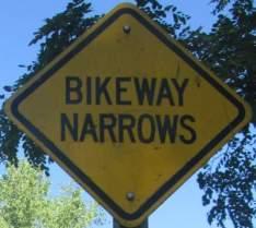 Bikeway-narrows-sign-Island-Line-Rail-Trail-Burlington-VT-9-1-2016