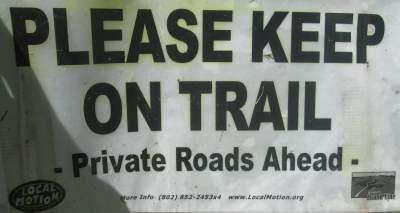 Keep-on-trail-sign-Island-Line-Rail-Trail-Burlington-VT-9-1-2016